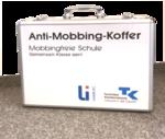 Sie sehen ein Foto des Anti-Mobbing-Koffers der Techniker Krankenkasse.